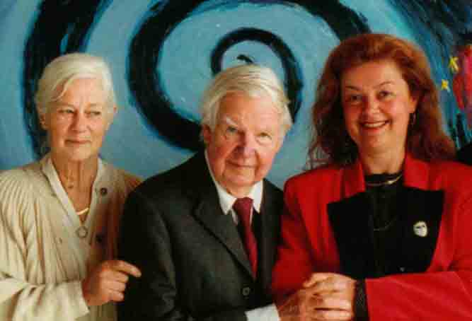PHOTO: (centre) Arthur Boyd, (left) wife Yvonne Boyd, (left) Aniela Kos (May 1997)