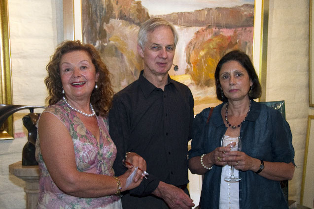 PHOTO: (from left) Aniela Kos, Jamie Boyd and his wife Helena Boyd (2010)